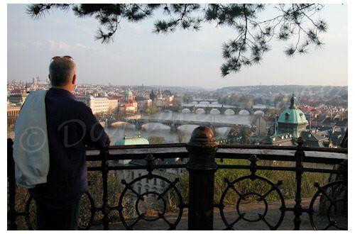 Prague depuis la terrasse du pavillon Hanavský