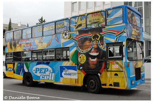 Les bus de Cape Town arborent les couleurs de l'Afrique du Sud © Danièle Boone