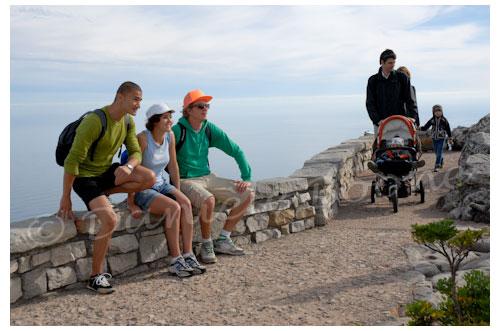 Table Mountain: de jeunes hollandais sont venus pour le foot mais en profitent pour découvrir le pays avant. © Danièle Boone