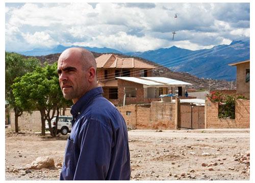 Luis Tosar incarne Costa, le producteur