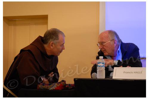 Francis Hallé et Frère Eric en grande conversation © Danièle Boone